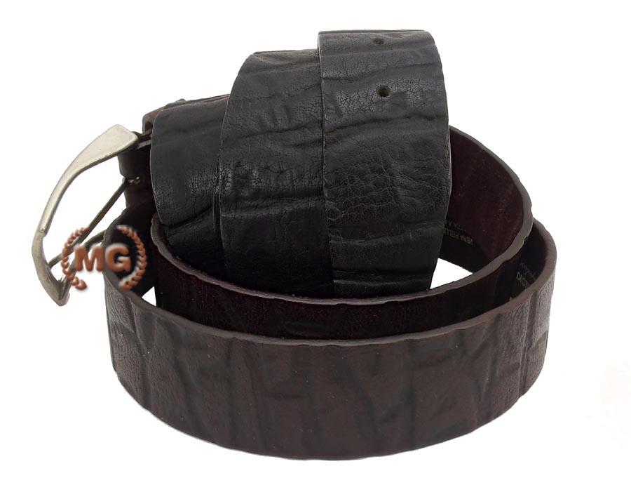Cintura in cuoio con stampa in coccodrillo