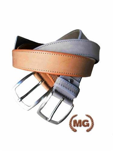 Cintura in cuoio slavato effetto nabuk