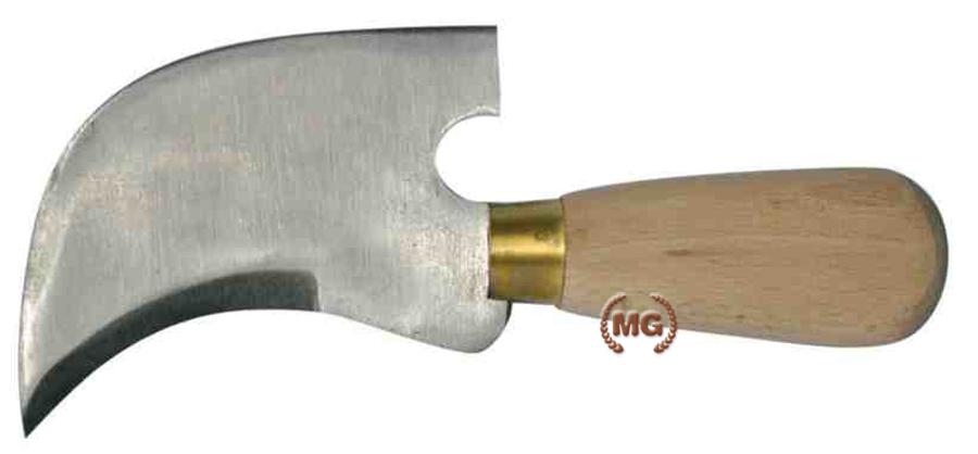 Coltello con lama in acciaio da sellaio