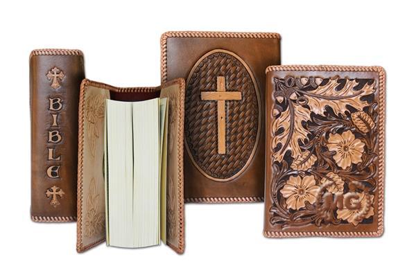 Copertina bibbia disegnata e realizzata a mano