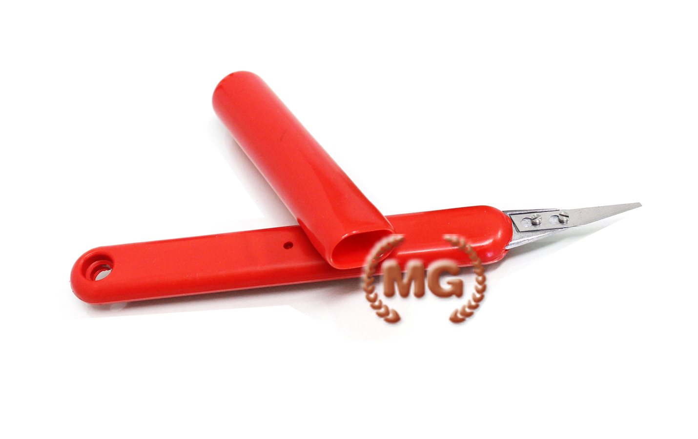 Coltello con lame in acciaio per tagliare su cuoio in maniera precisa e sopraffina