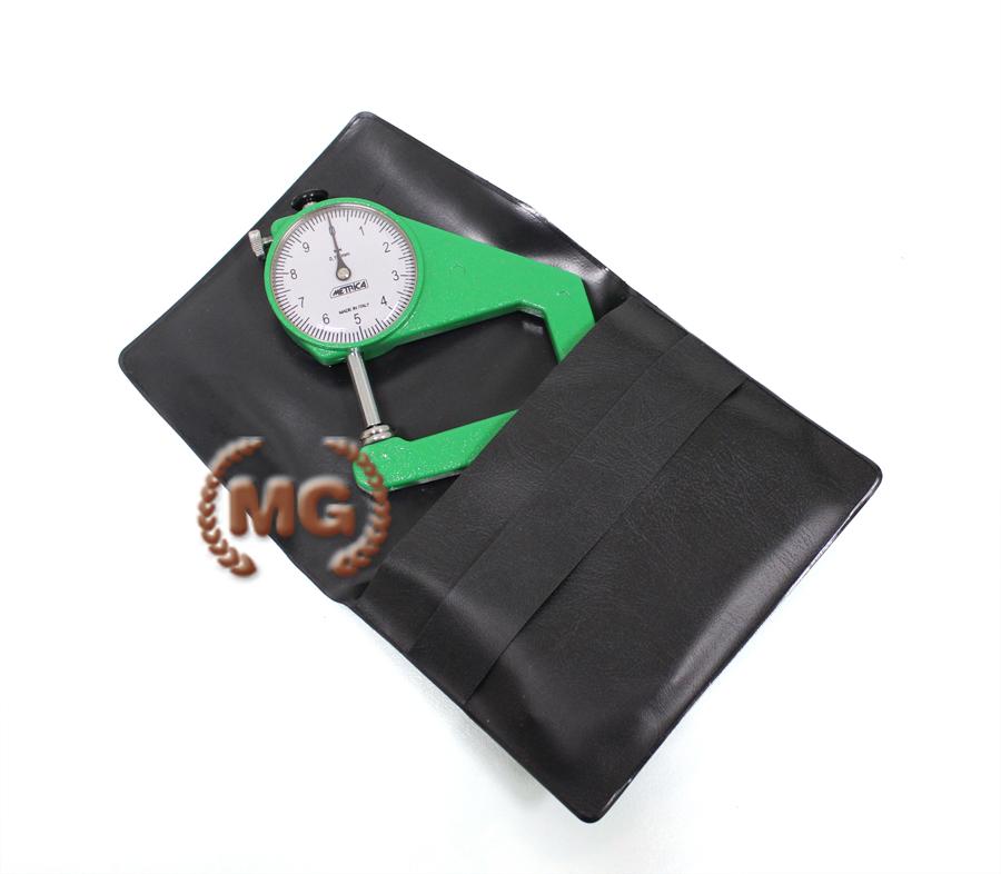 Lo spessimetro è un attrezzo specifico per misurare lo spessore dei pellami.